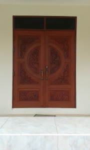 Our front doors are really cool, dragons carved on the outside and pheasants carved on the inside.